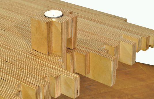 Ein Tisch